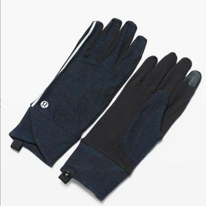 LULULEMON ATHLETICA Cross Chill Run Gloves NWT
